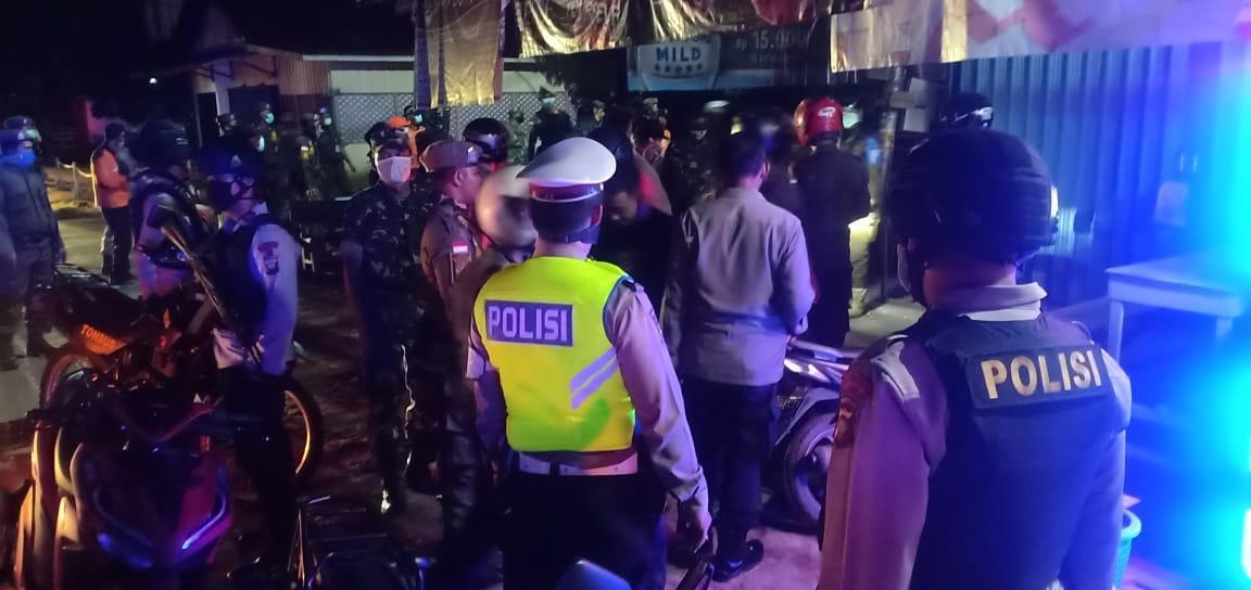 Minta Warga agar Tetap di Rumah, Polres Ketapang Patroli Tempat Nongkrong dan Lokasi Hiburan Malam