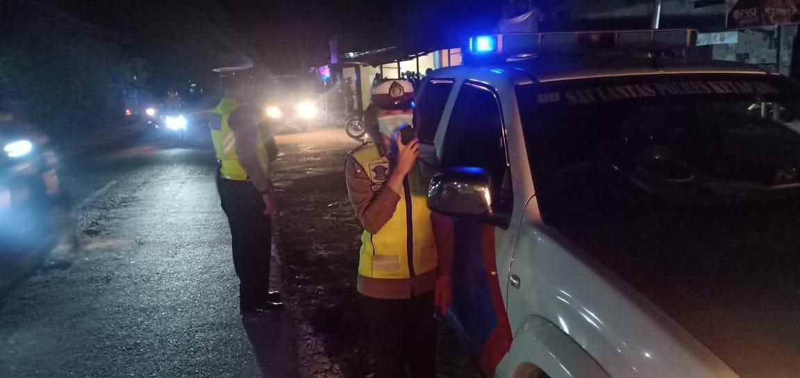 Patroli Malam, Satlantas Polres Ketapang Lakukan Penerangan Keliling Cegah Covid 19