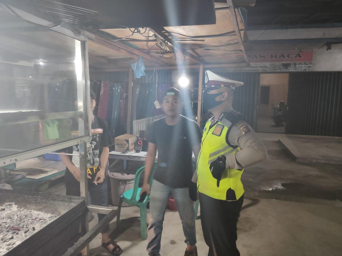 Satlantas Polres Ketapang Sambangi Warung-warung Makan di Ketapang
