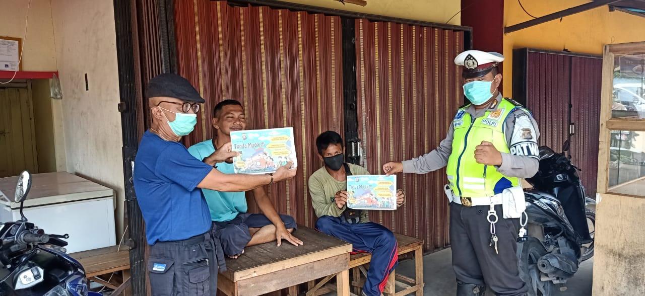 Patroli Dialogis Sat Lantas Polres Ketapang Berikan Himbauan Tentang Wabah Virus Corona