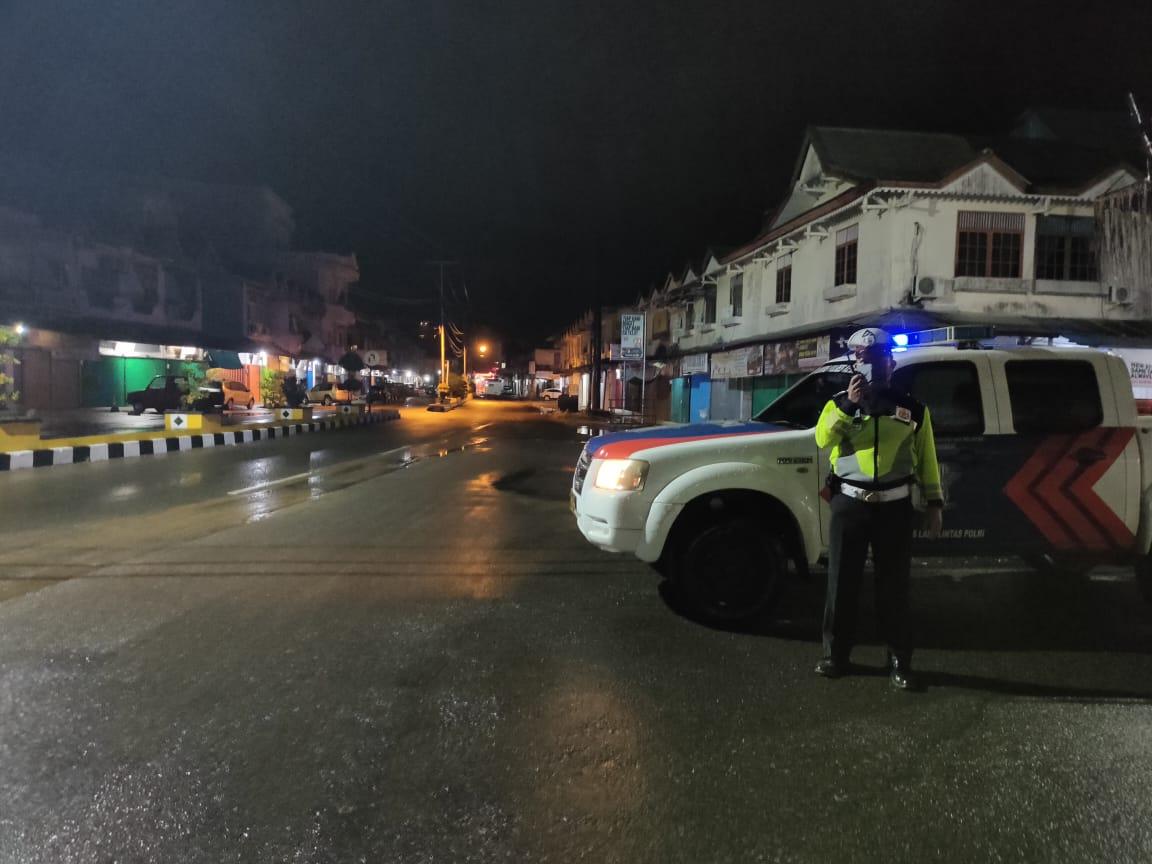 Tangkal Corona, Satlantas Polres Ketapang Gelar Patroli Imbau Warga Jangan Berkumpul