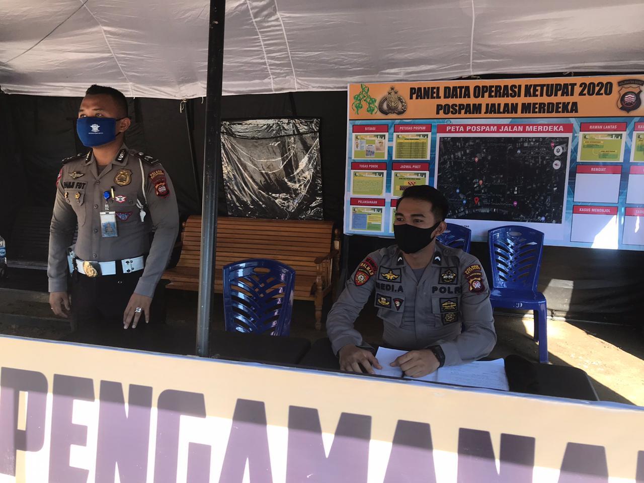 Ops Ketupat Kapuas 2020, Anggota Satlantas Polres Ketapang piket Pos Pam di Kawasan Bundaran Ale Ale