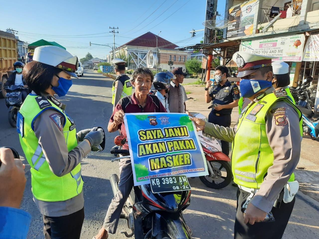 Satlantas Polres Ketapang Tak Henti-Hentinya Berikan Himbauan Kepada Masyarakat