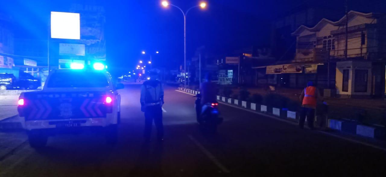 Unit Patwal Satuan Lantas Polres Ketapang Melaksanakan Kegiatan Patroli Stay Rotator