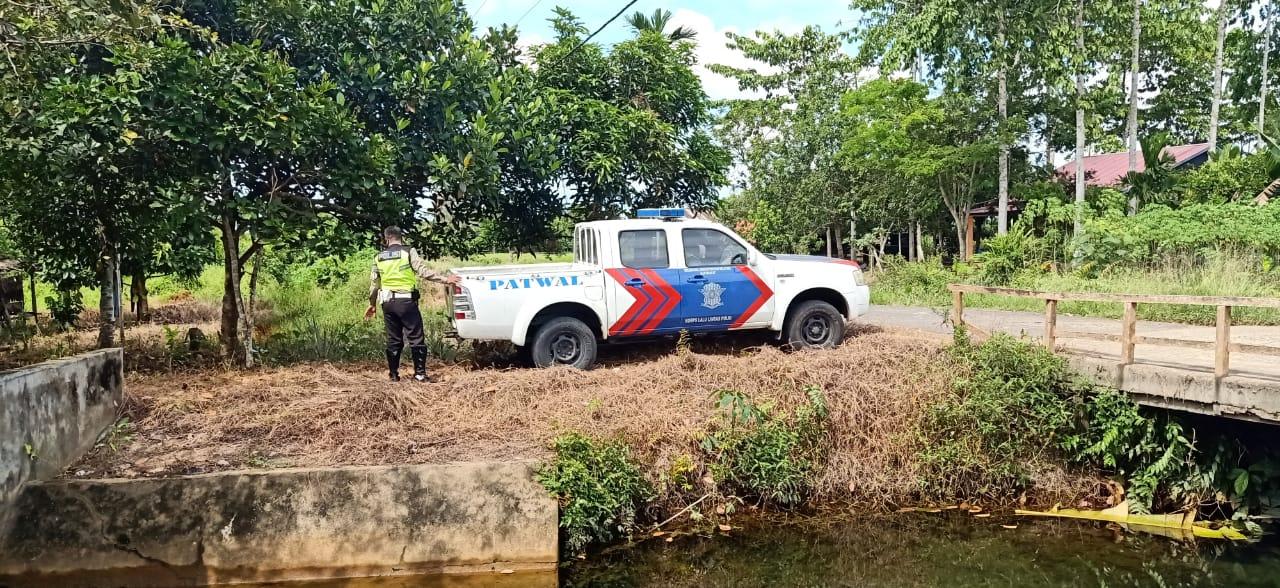 Petugas Patroli Terpadu Karhutla juga Beri Edukasi Masyarakat untuk Cegah COVID-19