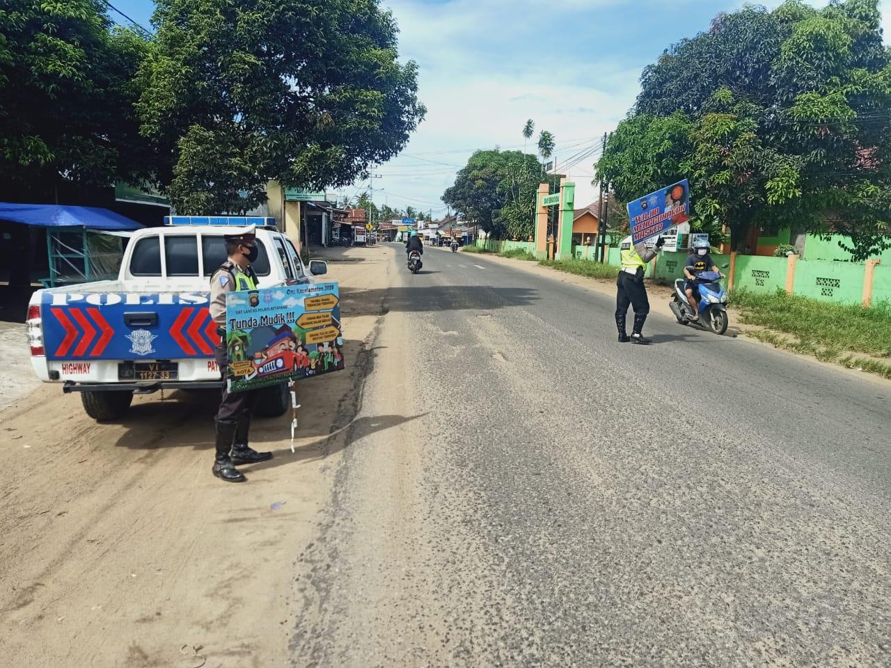 Patroli Satlantas Cegah Penyebaran Virus Corona Vovid-19 Berikan Himbauan Warga Masyarakat Kec. Benu