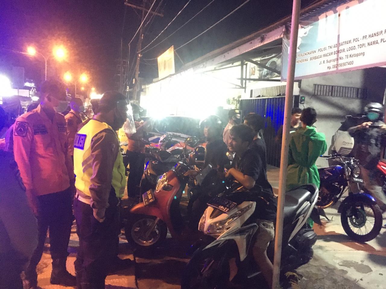 Cegah Penyebaran Corona, Tim Gabungan Gugus Tugas di Ketapang Patroli Bubarkan Kerumunan Warga