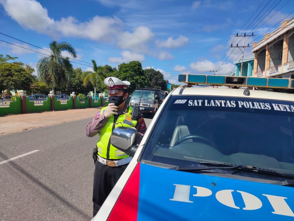 Satlantas Polres Ketapang laksanakan Public Addres,Antisipasi Penyebaran Covid19