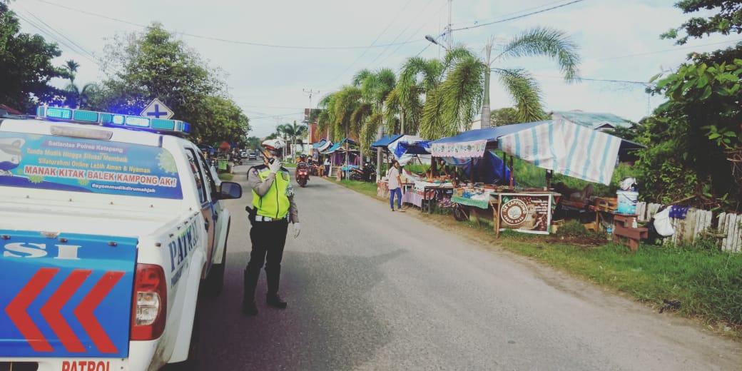 Satlantas Laksanakan Gatur Lantas di Pasar Juadah Ketapang