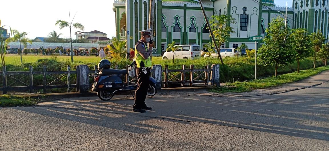Satlantas Ketapang Laksanakan Pengamanan Sholat Ied di Masjid Agung AL-Ikhlas Ketapang