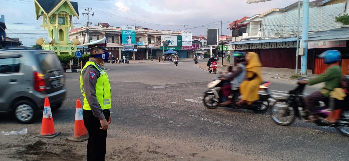 Satlantas Polres Ketapang Aktif Patroli Antisipasi Kemacetan Arus Lalu Lintas dan Berikan Himbauan t