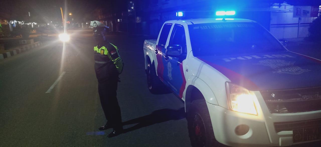 Antisipasi Balapan Liar, Personel Sat Lantas  Laksanakan Patroli Subuh