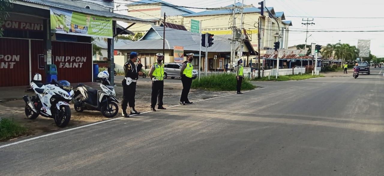 Siaga Pagi, Satlantas Polres Ketapang Atur Lalu Lintas Kota