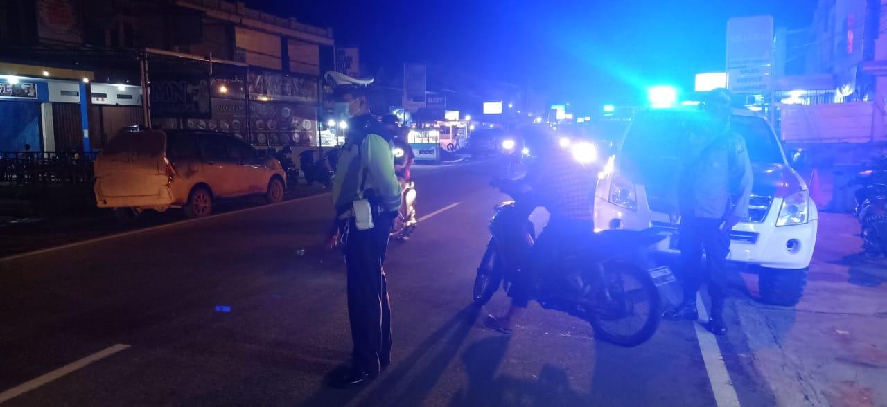 Antisipasi Tindak Kejahatan dan Penyebaran Virus Corona, Satlantas Ketapang Lakukan Patroli Malam