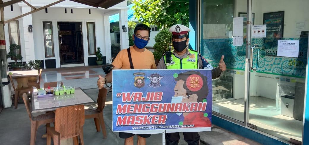 Satlantas Polres Ketapang Imbau Pengendara Gunakan Masker Saat Berpergian