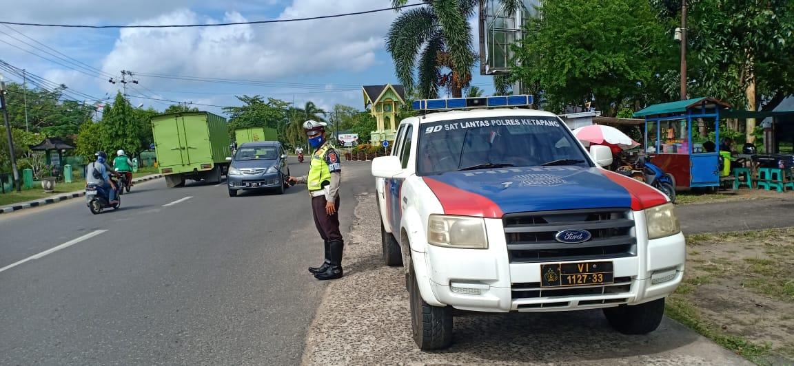 Satlantas Polres Ketapang Intensifkan Patroli Siang Sembari Imbau Antisipasi Covid-19