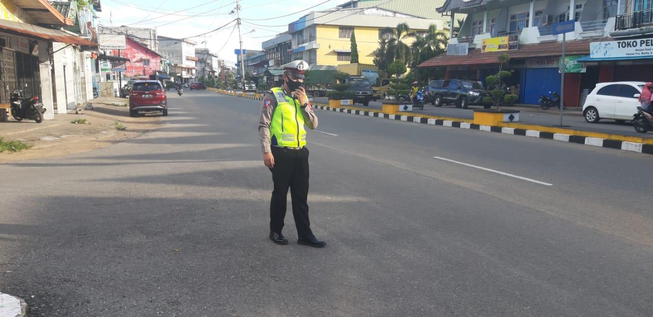 Sat Lantas Polres Ketapang Gatur Lalin Sore Salah Satu Wujud Public Service