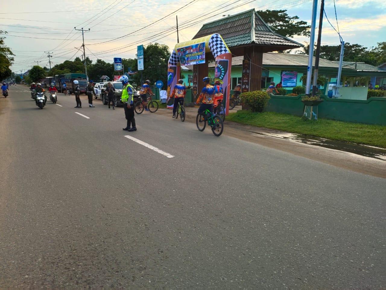 Ciptakan Kelancaran, Anggota Sat Lantas Kawal Kegiatan Sepeda Santai