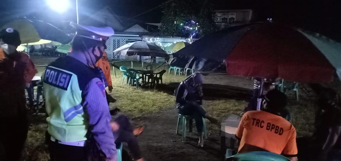 Tim  UKL II Satlantas Polres Ketapang Gelar Patroli Himbau Kerumunan masyarakat Untuk Pakai Maker