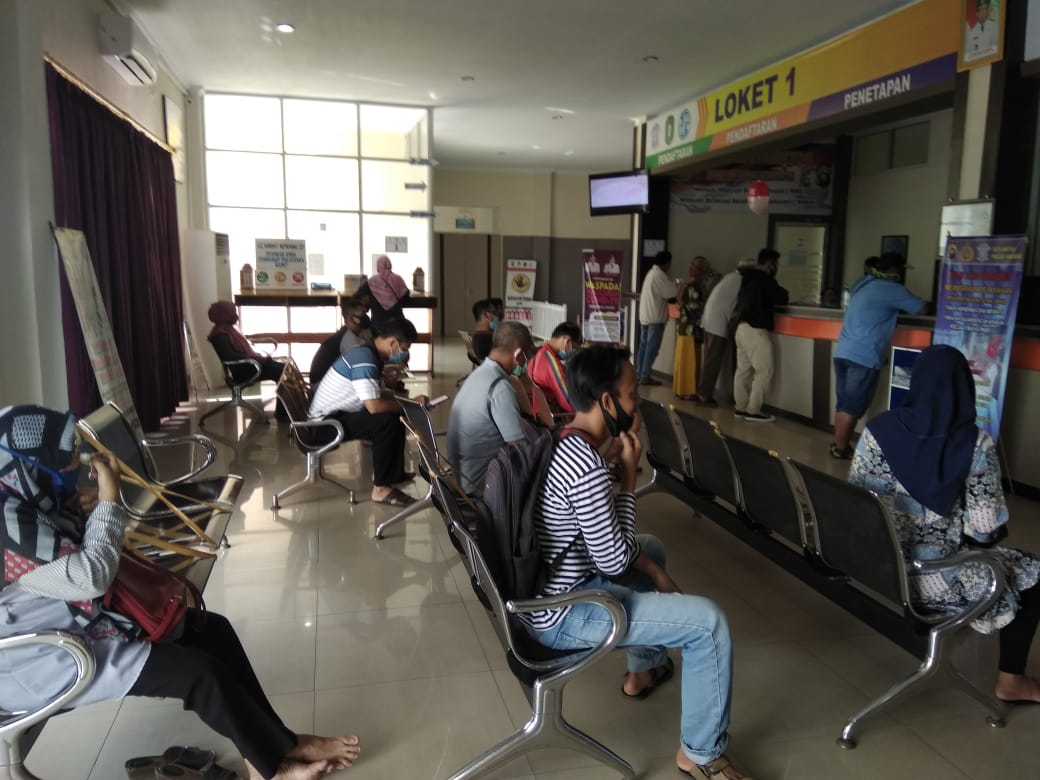 SatLantas Polres Ketapang Memberikan Kemudahan Proses Penerbitan STNK Pajak Lima Tahunan