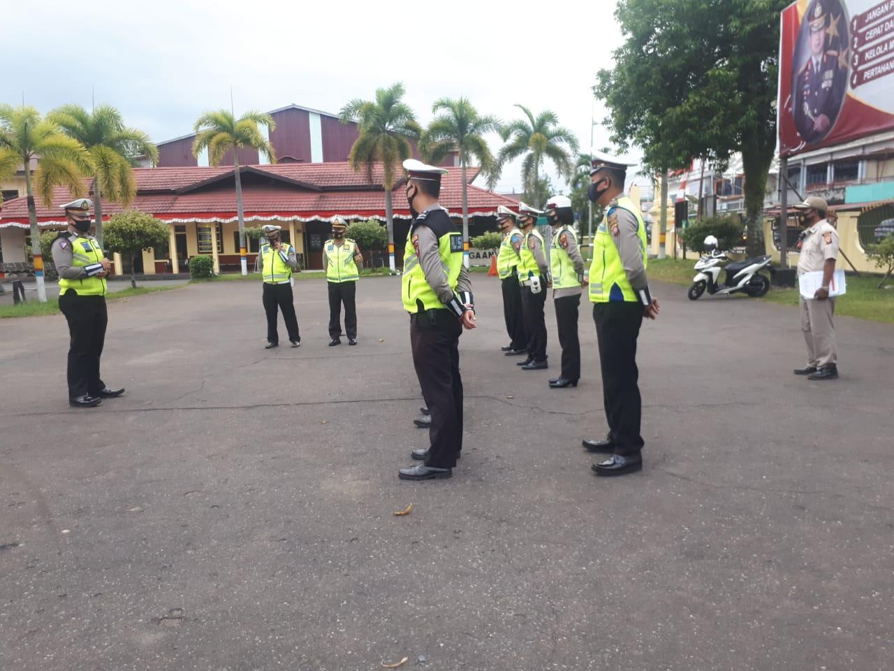 Tingkatkan Disiplin,Anggota Sat Lantas Polres Ketapang Laksanakan Apel pagi