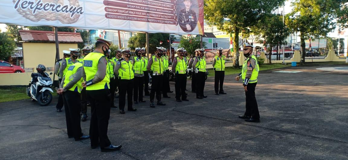Tingkatkan Kedisiplinan KDI Satlantas Polres Ketapang Pimpin Apel Rutin Pagi Hari