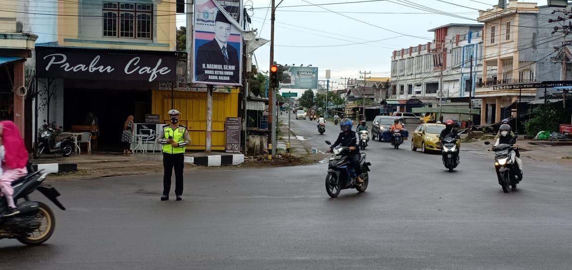 Anggota satlantas Polres Ketapang Lakukan Pam Rawan Pagi Sebagai Wujud Pelayanan Terhadap Masyarakat