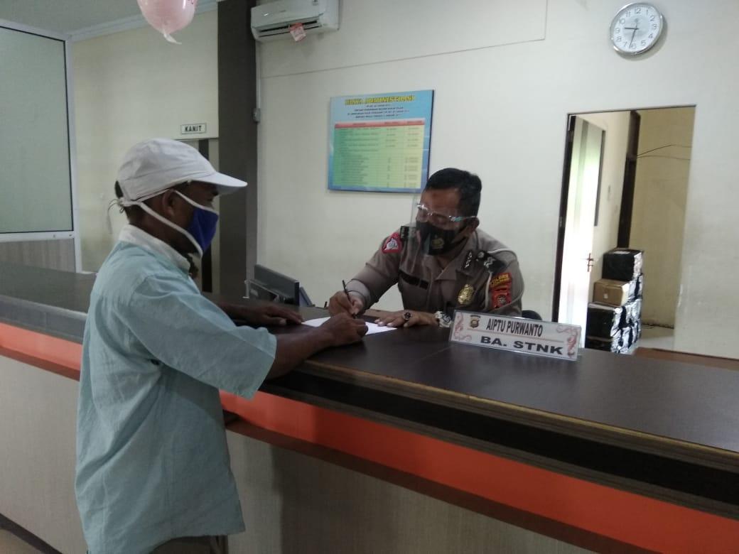 Polantas Hadir dan Berikan Pelayanan Terbaik terhadap Masyarakat Wajib Pajak di Samsat Ketapang
