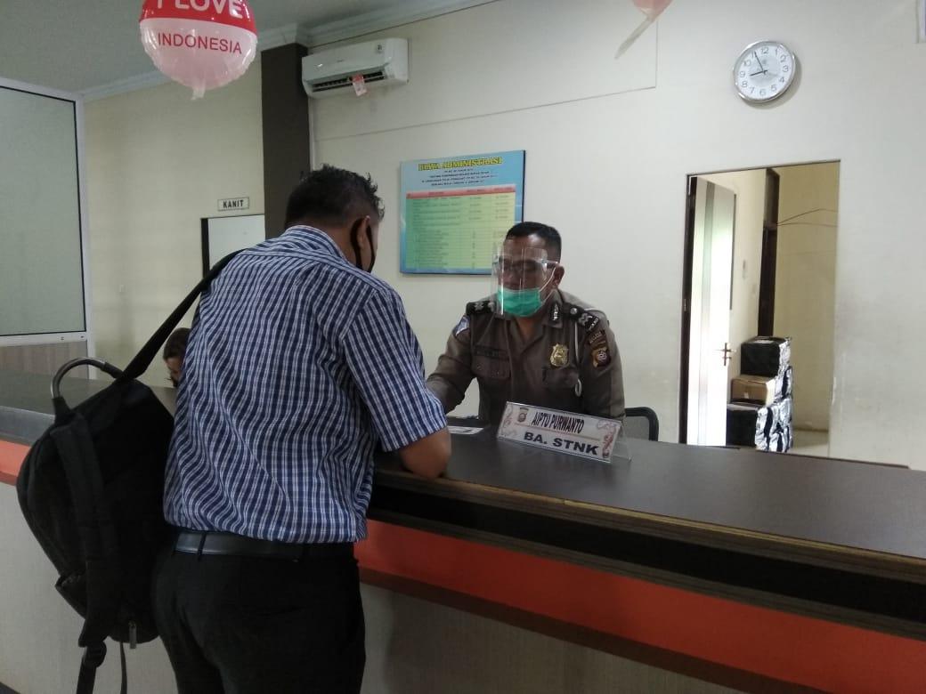 Pelayanan Samsat tetap Buka, Wajib Pajak dan Petugas Pelayanan tetap Menerapkan Protokol Kesehatan