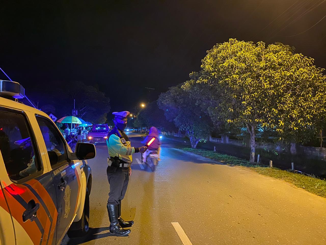 Cegah Aksi Ugal-ugalan di Jalan, Satlantas Ketapang Laksanakan Patroli Malam Hari