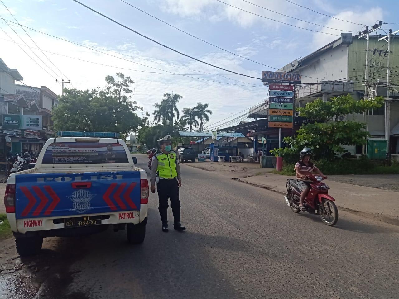 Patroli siang Satlantas Ketapang, cegah kemacetan arus lalu lintas