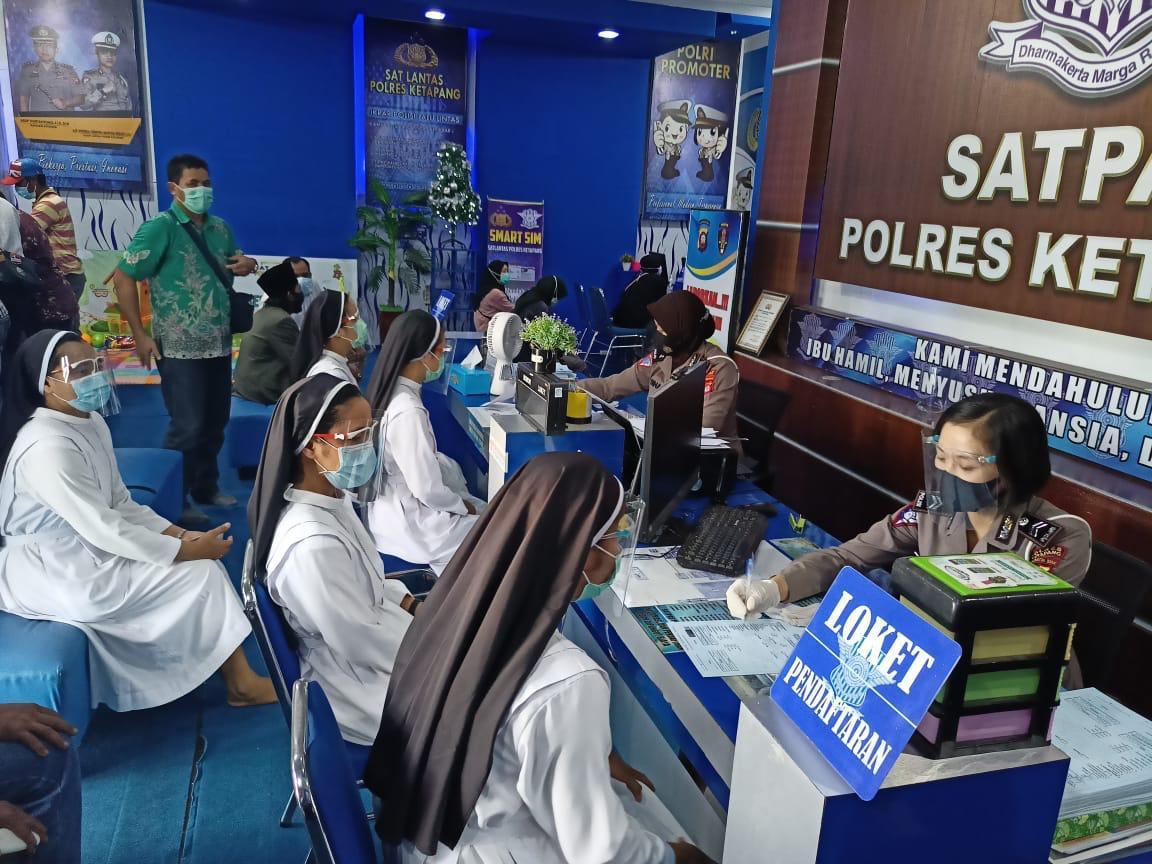 Pelayanan satpas Ketapang tetap buka, petugas pelayanan terapkan protokol kesehatan cegah covid 19